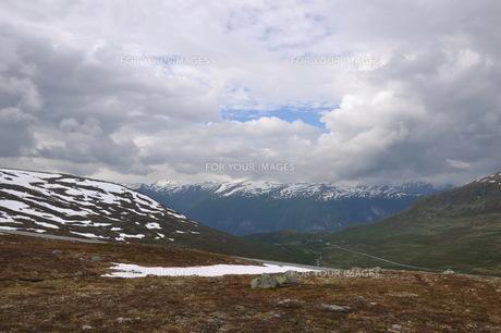 aurlandsfjellet highland pass mountain snow ice mountainの素材 [FYI00793450]