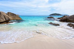 Summer beach in Thailandの写真素材 [FYI00793491]