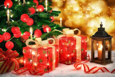 bright christmas sceneの写真素材 [FYI00794200]