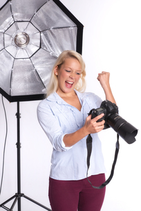 photographer is excited about a snapshotの写真素材 [FYI00794211]