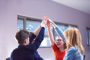 happy students celebrateの写真素材 [FYI00794429]