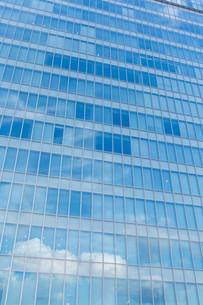 Office building facadeの写真素材 [FYI00794544]
