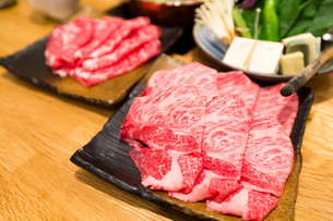 Sukiyaki Fresh Beef pork slicesの写真素材 [FYI00794548]