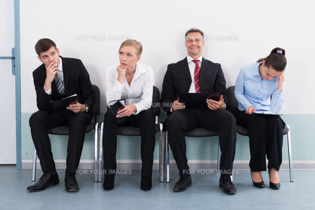 Businesspeople Waiting For Job Interviewの写真素材 [FYI00794691]