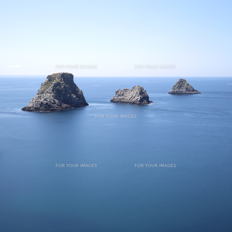 Islands at Pen-Hir Capeの写真素材 [FYI00794761]