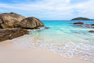 Small beach in Thailandの写真素材 [FYI00794826]