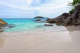 Small beach in Thailandの写真素材 [FYI00794831]