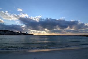 白良浜の夜明けの写真素材 [FYI00794984]
