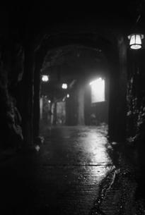 三段壁洞窟の写真素材 [FYI00795028]