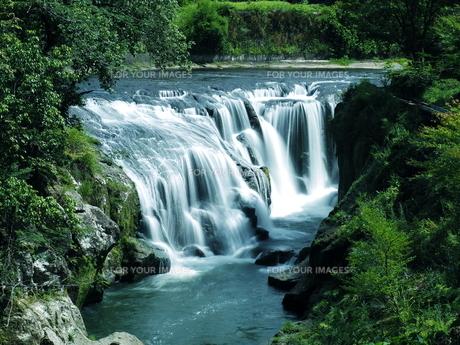 滝の写真素材 [FYI00795044]
