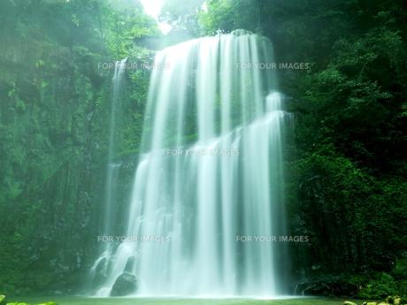 滝の写真素材 [FYI00795053]