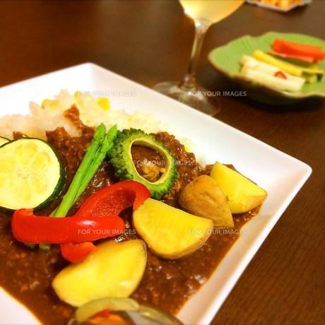 夏野菜カレーの写真素材 [FYI00795714]