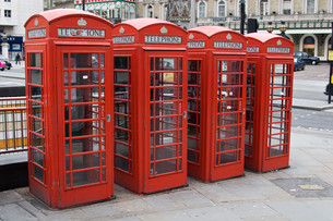 red english telephone boothsの写真素材 [FYI00797183]