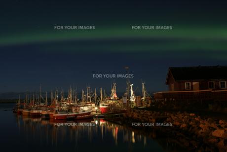 polar light at the harbor in andenes,norwayの素材 [FYI00797206]