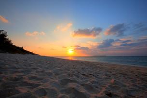 sunrise_sunsetの写真素材 [FYI00797604]