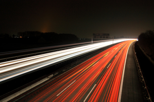 highway at nightの写真素材 [FYI00798365]