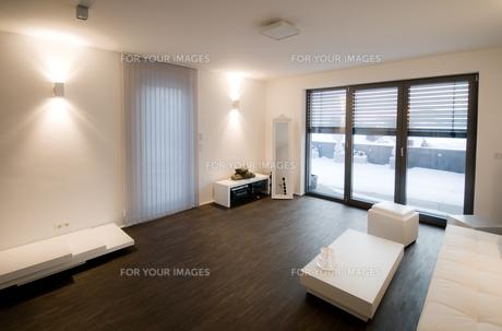 modern living roomの写真素材 [FYI00798739]