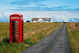 red phone booth in landscape v6の写真素材 [FYI00799508]