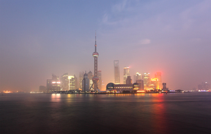 skyline of pudong,shanghaiの写真素材 [FYI00800191]