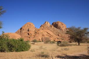 spitzkoppe in namibiaの素材 [FYI00801770]