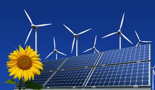 monocrystalline solar panels,wind turbines and sunflowerの写真素材 [FYI00801993]