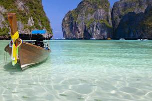 the beach beach in thailandの写真素材 [FYI00805168]