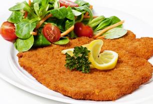 wiener schnitzel (itの写真素材 [FYI00806257]
