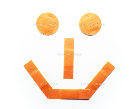 smiling plaster - laughing pavingの写真素材 [FYI00807189]