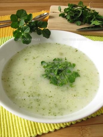 herb cream soup with watercressの素材 [FYI00807221]