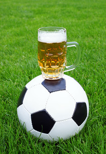 football & beer - soccer & beerの写真素材 [FYI00807235]