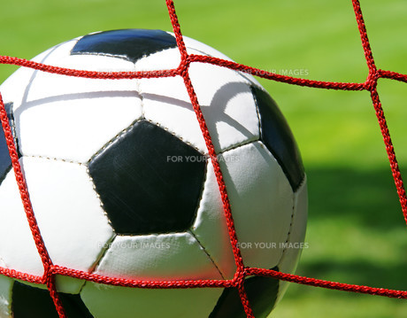 soccer goal - football in goalの写真素材 [FYI00807338]