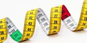tape measure close-up - tape diagonalの写真素材 [FYI00807361]