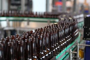brewery - bottlingの写真素材 [FYI00807519]