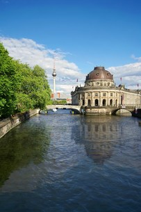 bode museum on museum island in berlin mitteの写真素材 [FYI00808534]