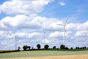 wind turbines in the pfalzの写真素材 [FYI00810017]