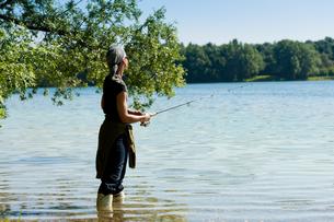 fishing on the lakeの写真素材 [FYI00810360]