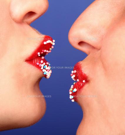 red kissing lipsの素材 [FYI00811036]