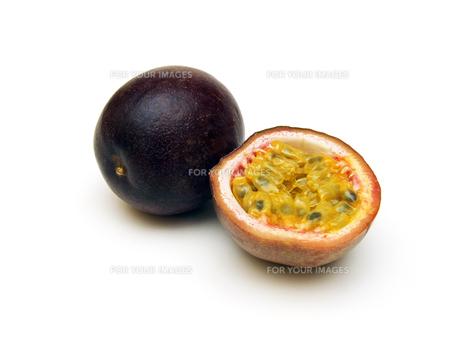 passion fruit (passiflora edulis)の写真素材 [FYI00813751]