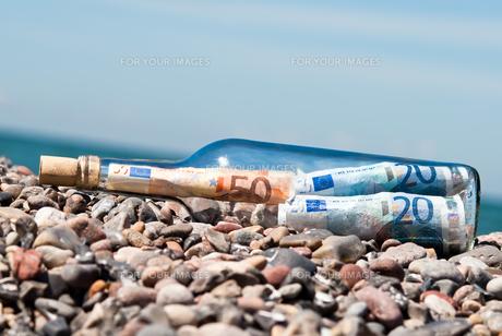 flaschenpost euro billsの素材 [FYI00814033]