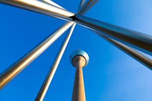 rhine tower,dusseldorfの写真素材 [FYI00814515]