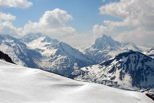 winter sports area on the arlbergの写真素材 [FYI00816565]