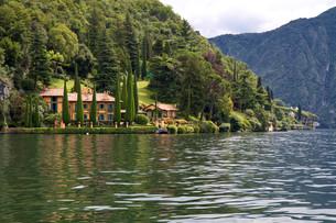 villa park on lake como,italyの素材 [FYI00816587]