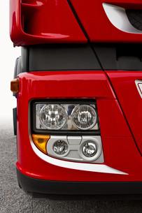 red truckの写真素材 [FYI00817792]