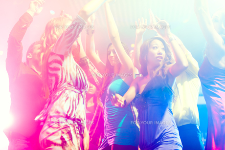 party people dancing in disco or clubの素材 [FYI00820922]
