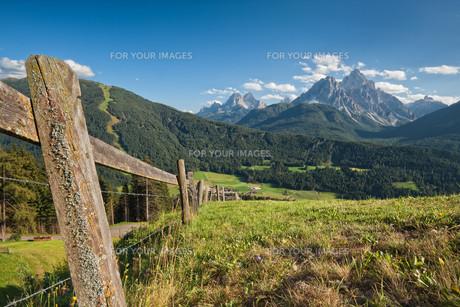 way fence iiの写真素材 [FYI00824165]