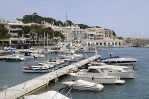harbour cala ratjadaの写真素材 [FYI00825336]