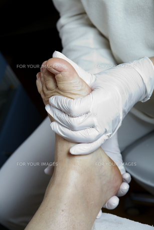 medical pedicure - foot care - chiropodyの素材 [FYI00827819]