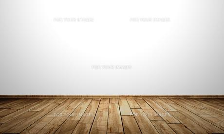 white wall with wooden floor - birch burlの写真素材 [FYI00828047]