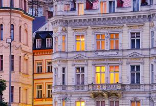 karlovy vary house facades - karlovy vary facade 03の写真素材 [FYI00828186]