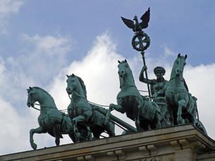 brandenburg gate berlin germanyの写真素材 [FYI00828622]